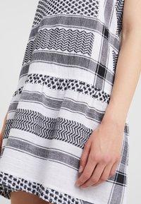 CECILIE copenhagen - DRESS - Vapaa-ajan mekko - black/white - 5