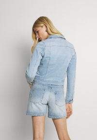 Vero Moda - VMFAITH SLIM JACKET - Denim jacket - light blue denim - 2