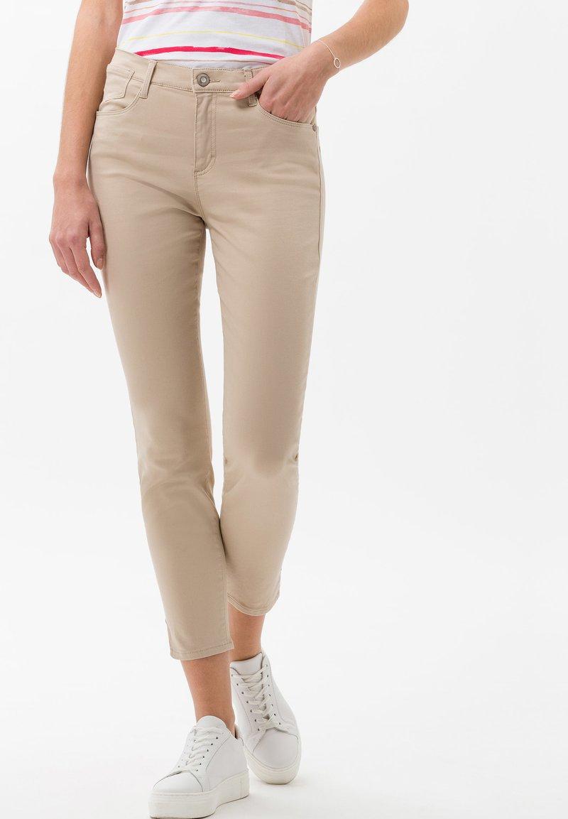 BRAX - STYLE SHAKIRA  - Jeans Skinny - sand