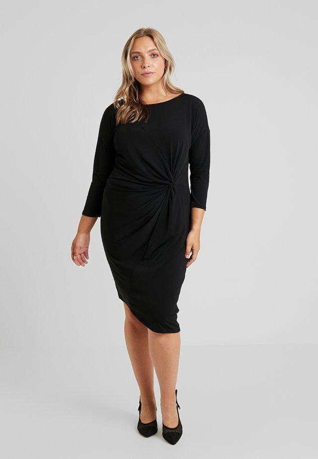 CARAIDA 3/4 DRESS - Etui-jurk - black