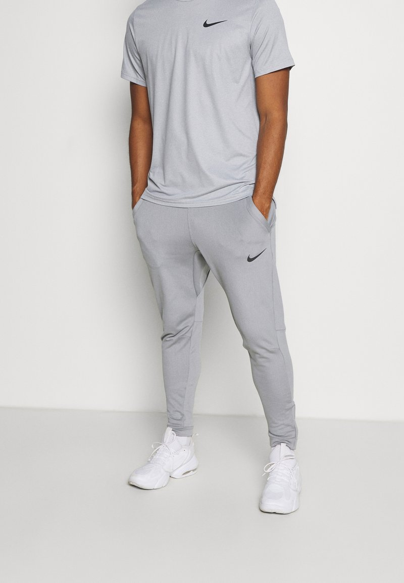 Nike Performance - PANT CAPRA - Pantaloni sportivi - particle grey/black