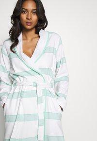 TOM TAILOR - HAMAM BATHROBE - Dressing gown - mint - 3