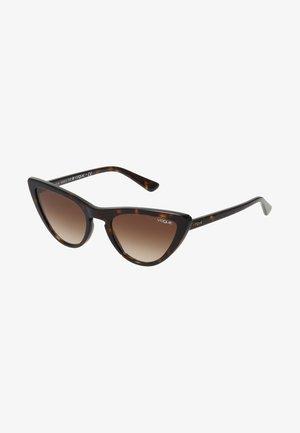 GIGI HADID - Sunglasses - brown gradient