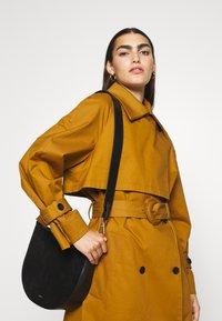 CLOSED - DAPHNE SHOULDER - Handbag - black - 0