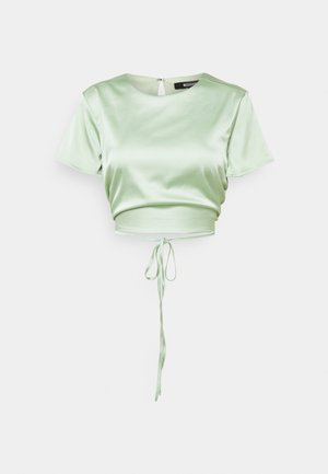 CUT OUT BACK TIE CROP - Print T-shirt - sage