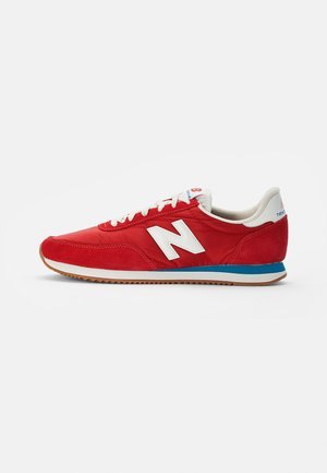 720 - Sneakers - green, red, white