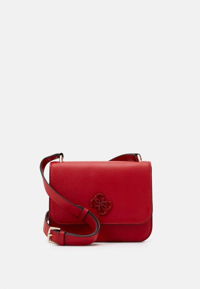 NOELLE MINI CROSSBODY FLAP - Across body bag - red