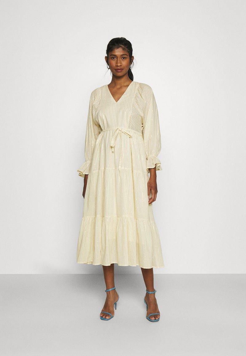 YAS - YASFABRINA LONG DRESS  - Vapaa-ajan mekko - eggnog