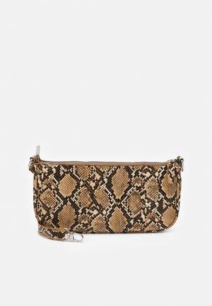 PCAFARIA SHOULDER BAG - Handbag - warm sand/silver-coloured