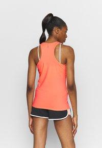 ONLY Play - ONPCLARISSA TRAINING - Treningsskjorter - neon orange - 2