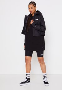 The North Face - CROPPED QUEST JACKET  - Hardshell jacket - black - 6