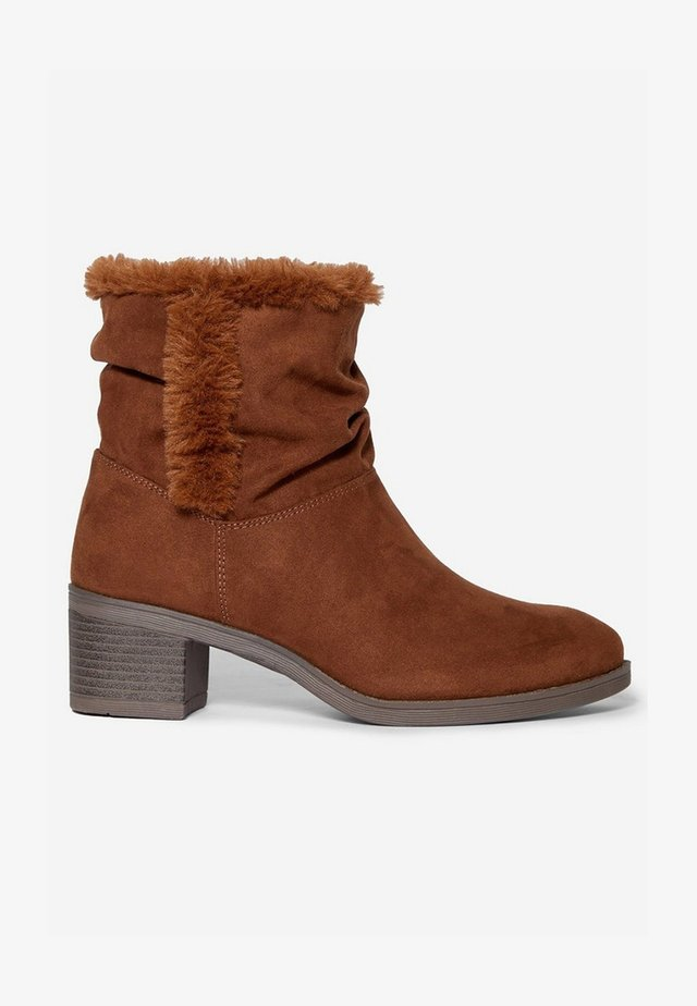 MADRID - Winter boots - brown