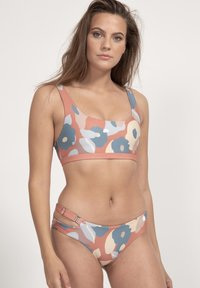 boochen - CAPARICA - Bikini top - rot - 1