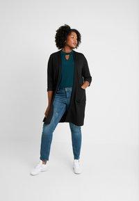 JUNAROSE - by VERO MODA - JRFIVESANLI - Jeans Skinny Fit - dark blue denim - 1