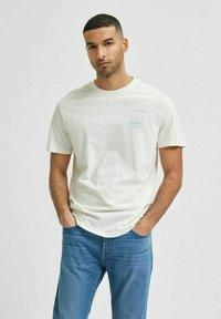 Selected Homme - Print T-shirt - egret - 0