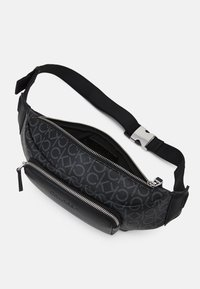 Calvin Klein - WAISTBAG UNISEX - Bum bag - black - 2