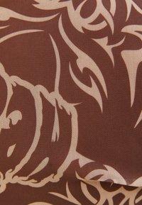 Bershka - SHORT SLEEVE - Print T-shirt - brown - 5