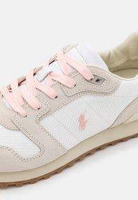 Polo Ralph Lauren - CLASSIC RUNR - Trainers - white/stucco - 3