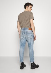 DRYKORN - BIT - Jeans Tapered Fit - blue - 2