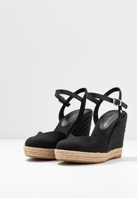 Tommy Hilfiger - BASIC CLOSED TOE HIGH WEDGE - High heeled sandals - black - 4