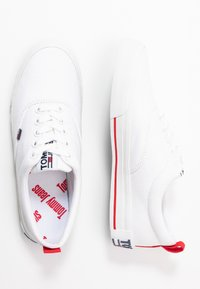 Tommy Jeans - LOWCUT ESSENTIAL - Trainers - white - 3