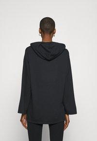 Anna Field - Wide Sleeve Long Hoodie - Hoodie - black - 2