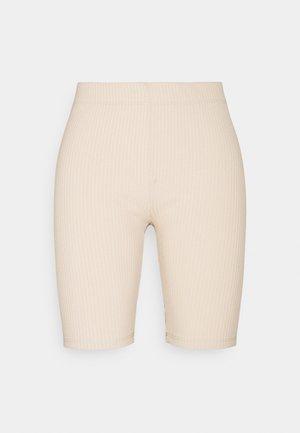 EMELIA - Shorts - oyster