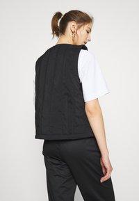 adidas Originals - SPORTS INSPIRED REGULAR VEST - Smanicato - black - 2