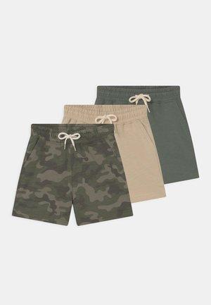 HENRY 3 PACK - Shorts - swag green/camo/rainy day