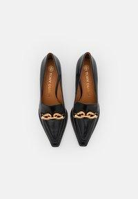 Tory Burch - JESSA POINTY TOE - Classic heels - perfect black - 3