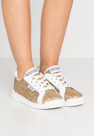LINEA FONDO PENNY - Sneakers basse - gold