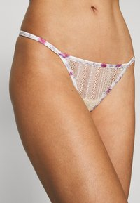 LOVE Stories - ROOMIE - Thong - off white - 4