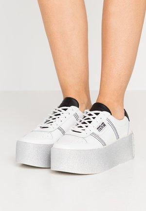 PLATFORM SOLE - Sneakersy niskie - bianco ottico