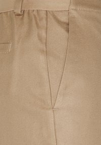 Marc O'Polo - PANTS WIDE LEG MEDIUM RISE CROPPED ELASTIC AT BACK  - Kalhoty - sand - 2
