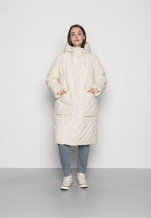 VMELANOR LONG PADDED JACKET - Winter coat - birch