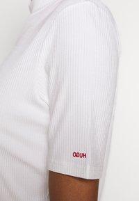 HUGO - DINANE - Basic T-shirt - beige - 6