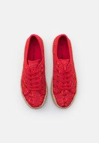 Laura Biagiotti - Sznurowane obuwie sportowe - red - 5