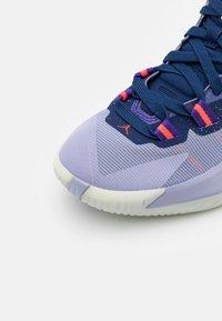 Jordan - ZION 1 UNISEX - Zapatillas de baloncesto - blue void/bright crimson/fierce purple/indigo haze - 5