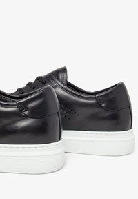 Bianco - BIANCO SNEAKERS LEDER - Trainers - black - 3
