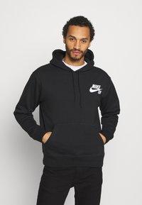 Nike SB - ICON HOODIE UNISEX - Luvtröja - black/white - 0