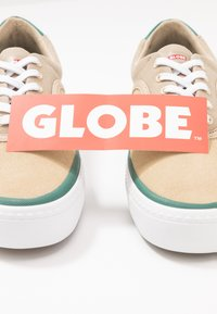Globe - SPROUT - Trainers - stone - 5