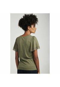 NAF NAF - Basic T-shirt - green - 2