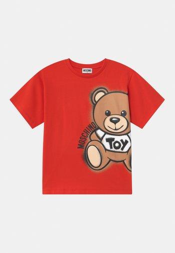 MAXI UNISEX - Print T-shirt - poppy red