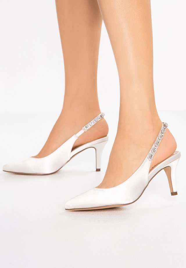 CLEMENTINE - Bridal shoes - ivory