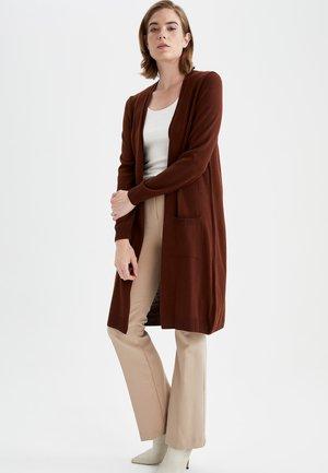 REGULAR FIT - Cardigan - brown