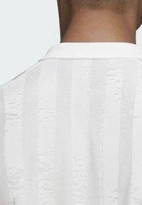 adidas Performance - Piké - white / scarlet - 7