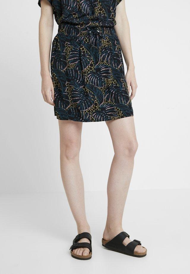 KURZ - Minifalda - black