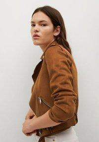 Mango - SEUL - Faux leather jacket - braun - 3