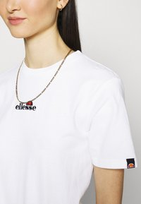 Ellesse - MIYANA - Camiseta estampada - white-smu - 4