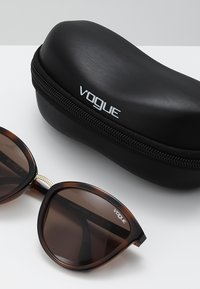 VOGUE Eyewear - Lunettes de soleil - top havana light brown - 2